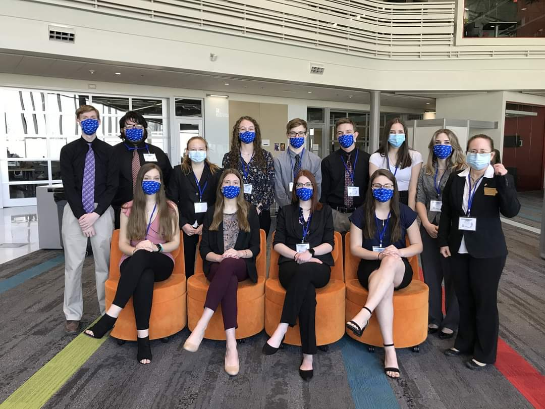 FBLA members posing for a picture at conference
