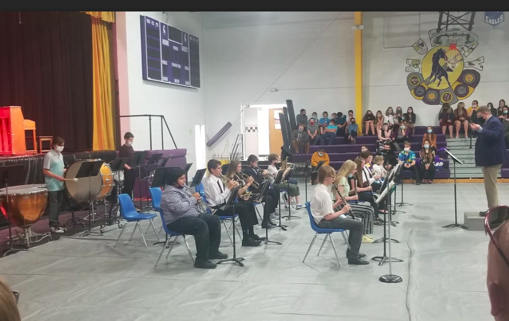 Junior High band playing